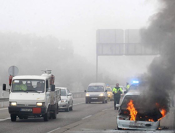 La niebla causa cuatro accidentes en la A-4