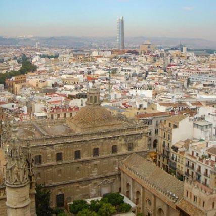 """La Torre Cajasol """"pone en peligro"""" la inscripción de Sevilla como Patrimonio Mundial"""