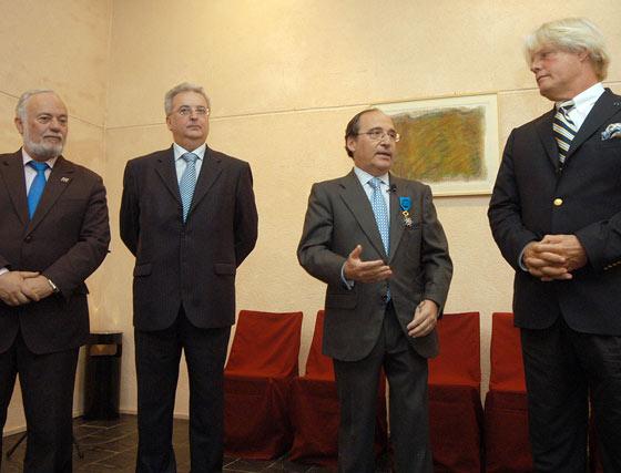 Reconocimiento francés a Antonio Hernández Callejas