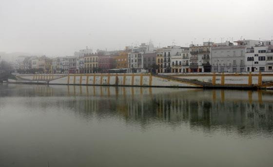 La orilla trianera recupera la visibilidad.  Foto: Juan Carlos Muñoz