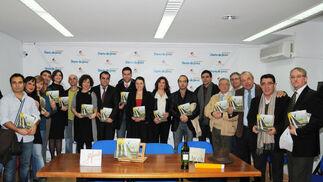 Presentado el libreto de la obra 'El elixir del amor' que se entregará gratuitamente en las representaciones de la ópera en el Villamarta. /M. Aranda  Foto: Manuel Aranda