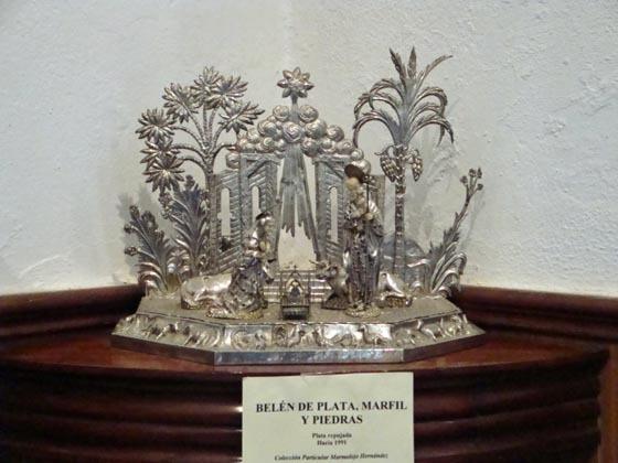 Belén realizado en plata, marfil y piedras preciosas.  Foto: Juan Parejo