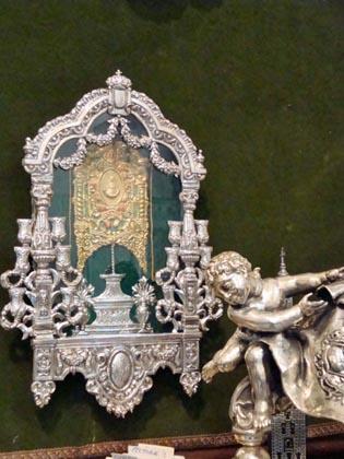 Carreta y Simpecado de la hermandad del Rocío de Triana.  Foto: Juan Parejo