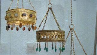 Coronas del tesoro de Guarrazar una vez terminadas.  Foto: Juan Parejo
