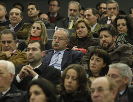 Un detalle de las personalidades asistentes entre el público  Foto: ERASMO FENOY / PACO GUERRERO