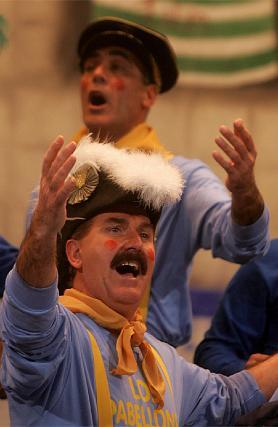 Sombreros de diferentes agrupaciones para el coro Los pabellones.   Foto: Jesus Marin