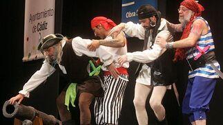 El cuarteto de La Paz, con su tipo de piratas.  Foto: Jesus Marin
