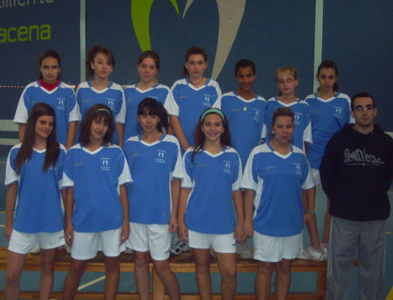 Escuela Municipal de Maracena. Voleibol, infantil, femenino. /Enrique López  Foto: Granadahoy.com