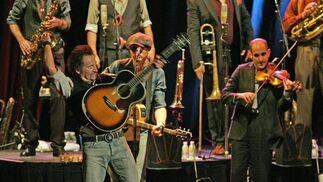 Springsteen, durante el concierto que ofreció el 26 de octubre de 2006 en la Plaza de Toros de Granada.   Foto: Miguel Ángel Molina / Efe
