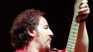 Springsteen, durante el concierto que celebró en Madrid el 7 de junio de 1999.  Foto: J. J. Guillén / Efe