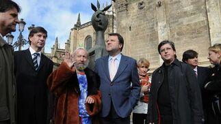Monteseirín acude a la inauguración de la exposición de Ripollés.  Foto: Juan Carlos Vazquez