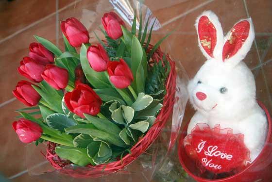 Flores y un 'I love you' en Ramitos.  Foto: Victoria Hidalgo - Bel?Vargas