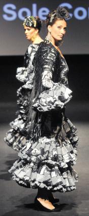 Los vestidos de 'Rocío Martín' sorprendieron por su acabado y originalidad.  Foto: Manuel Aranda
