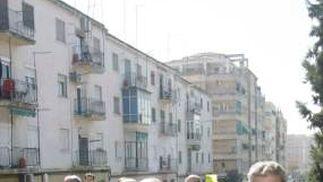 El alcalde ha aprovechado también para realizar una visita junto a sus concejales al Barrio de los Pajaritos.  Foto: Miguel Rodriguez