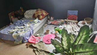 El cuartel ha servido de refugio para indigentes, que instalaron sus propios dormitorios en su interior.  Foto: Miguel Rodriguez