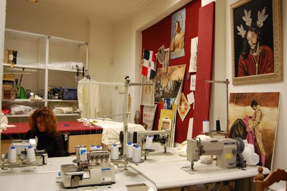 Jesús del Prendimiento y Rafael de Paula, 'jerezanía' pura supervisando los trabajos.  Foto: J. M.