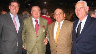 Los ganaderos Manuel Domínguez López, Francisco Domínguez Calle, Manuel Garra Fernández y Manuel Domínguez Calle.  Foto: Victoria Ramírez