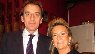 Manuel Ruiz-Rojas (Caja Rural del Sur) y su esposa, María Pou.  Foto: Victoria Ramírez
