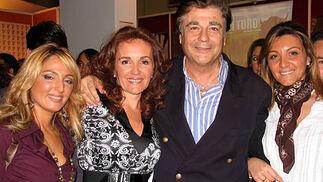 Silvia Vera, Lola Parra, Máximo Valverde y Araceli Parra.  Foto: Victoria Ramírez
