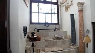 Las escaleras muestran multitud de tesoros  Foto: Belén Vargas