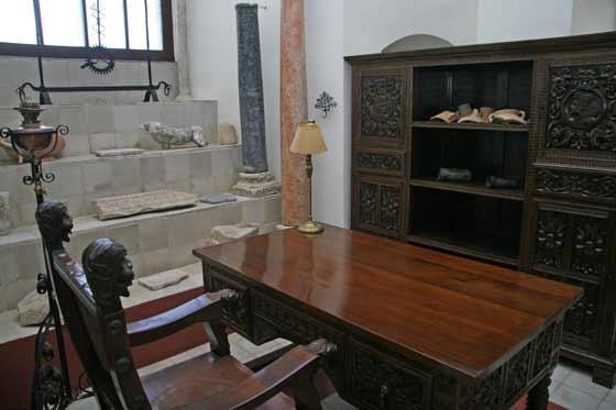 Una de las habitaciones restauradas del Castillo  Foto: Belén Vargas