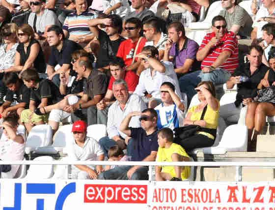 El Recre empieza con buen pie la Liga ante el Real Unión (0-1)