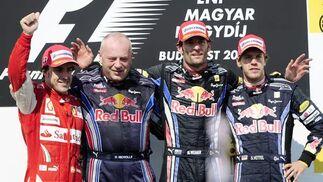 Fernando Alonso acaba segundo por detrás de Webber en el Gran Premio de Hungría. / AFP