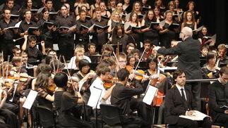 Las orquestas de China, Polonia y Almería unidas en el Festival de Eurochestries.  Foto: Ricardo Garcia