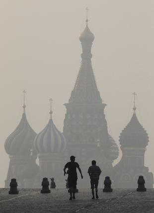 Siete regiones rusas están en estado de emergencia por los fuegos forestales. / Reuters