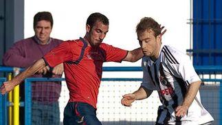 Los linenses salieron al campo desorientados y encajaron el primer gol en los primeros minutos del partido ante un rival muy fuerte en casa  Foto: lof
