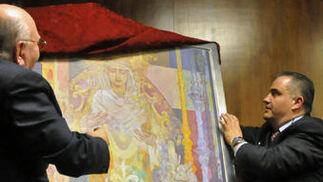 José Luís García Palacios y Adolfo Arenas Castillo en la presentación del cartel de Semana Santa 2011.  Foto: Juan Carlos V?uez