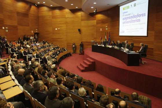 Imagen de los asistentes a la entrega de premios del Concurso Joly-EOI-Andalucía Emprende.  Foto: J.C. V?uez Y J.A. Garc?