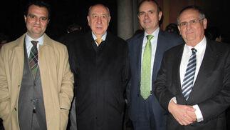 Francisco Fernández, director de KPMG Andalucía; Rafael Bellvis, presidente del Grupo Aura; Javier Oyarzabal, presidente de la Federación Andaluza de Atención a la Dependencia, y Antonio Fernández-Yáñez, socio director de Grupo Consea.  Foto: Victoria Ramírez