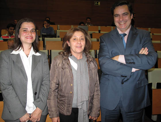 Pilar Toribio (Royal Comunicación), Manuela Vela, directora de Decoranding.com, y Agustín Ronda, director del Programa de Emprendedores y Pymes de la EOI.  Foto: Victoria Ramírez