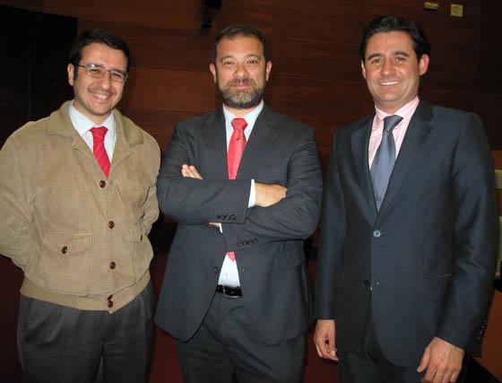 Francisco Moncloa Montes, presidente de Grupo Franmosur; Sergio Estacio Delgado de Mendoza (ITsyx) y José María Cantarero Artacho, presidente de Laboratorio Biodis.  Foto: Victoria Ramírez