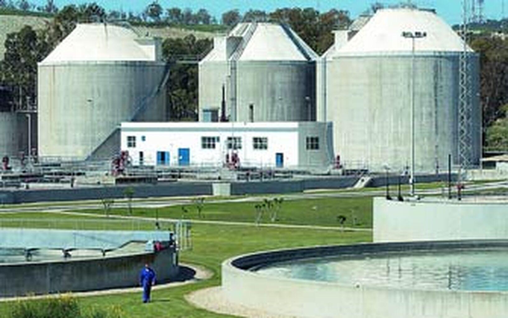Pelayo reclama a la Junta que se reanuden las obras en la depuradora
