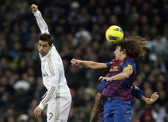 El Barcelona vence al Real Madrid a domicilio (1-3). / Reuters