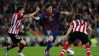 El Barcelona vence con claridad al Athletic de Bilbao en el Camp Nou (2-0). / AFP