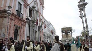 Estación de penitencia de la hermandad del Prendimiento de Cádiz.   Foto: Lourdes de Vicente