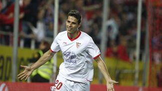 Manu del Moral celebra su quinto tanto en tres partidos. / Antonio Pizarro