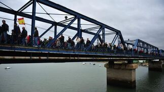 La marcha de los trabajadores de los astilleros de Navantia en San Fernando se salda con tres detenidos.  Foto: Elias Pimentel