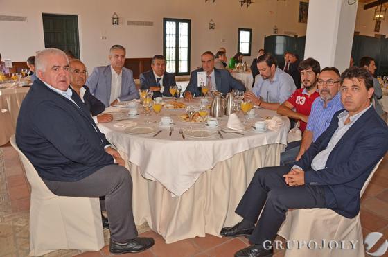 Fondo De Armario Translation ~ Las imágenes del Desayuno Informativo del Grupo Joly con García Pelayo