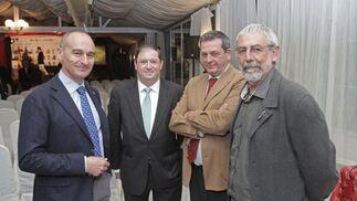 Dirigentes del IECG junto al representante de Exteriores en la comarca, Julio Montesinos.   Foto: Erasmo Fenoy