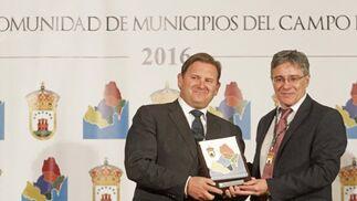 Javier Reviriego y Juan Casanova, alcalde de Castellar.   Foto: Erasmo Fenoy