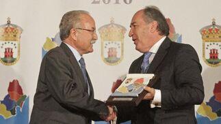 Manuel Morón y José Ignacio Landaluce, alcalde de Algeciras.   Foto: Erasmo Fenoy