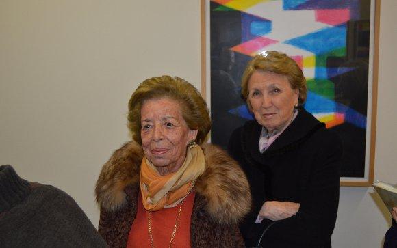 Eulalia Ortega y  Carmenchu Pemán, durante la firma del libro.  Foto: Ignacio Casas de Ciria