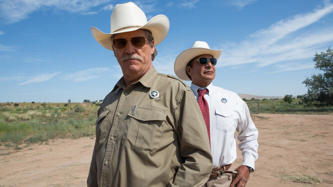 Jeff Bridges y Gil Birmingham destacan dentro del reparto.