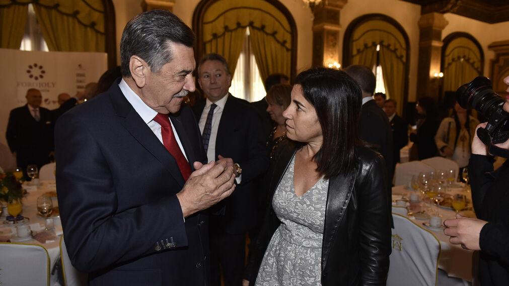 María Jesús Almazor con Francisco Marfil, directivo de Telefónica en Ceuta.