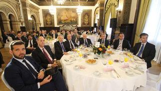 Rodolfo Hernández, Alfredo Velasco, José Pozo, Leonardo Rodríguez de la Borbolla, Antonio Rodríguez de la Borbolla, José Joaquín León, Enrique Rodríguez y Alfonso Barón.