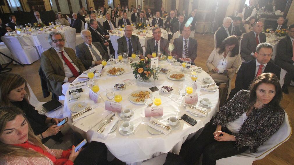 María Eugenia Medina, Natalia López, Luis Sánchez-Moliní, Joaquín Castillo, Juan Pedro Álvarez, Alfredo Álvarez, Luis Miguel Pelayo, Yolanda Sánchez, Manuel Torreglosa y Alicia Fuentes.